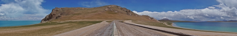 Silingtso on the left side of the road and another lake on the right